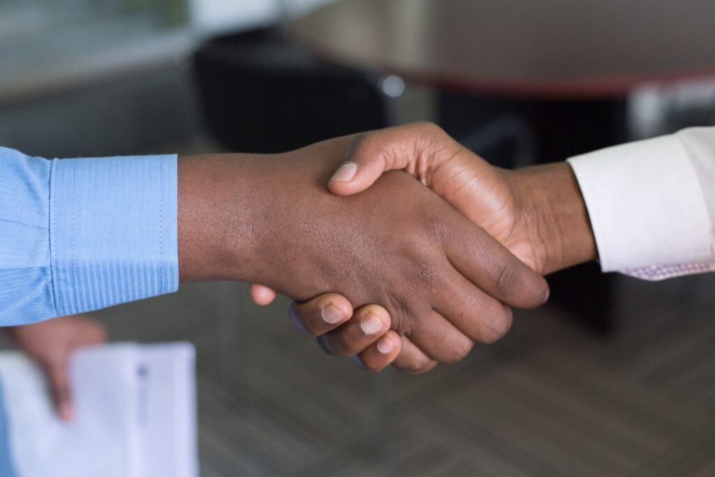 employee with customer